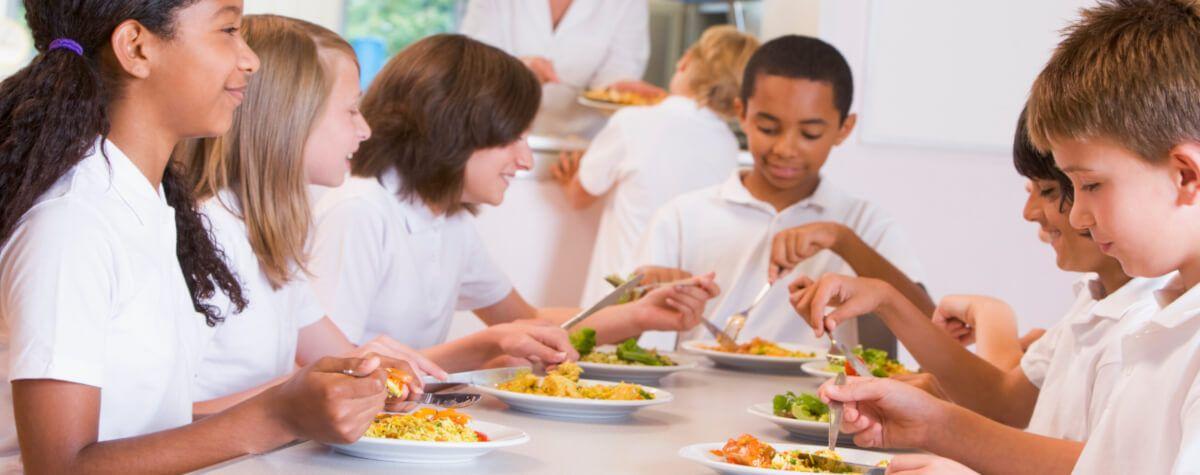 Los hábitos saludables de alimentación ayudan a que los niños desarrollen un mejor rendimiento académico